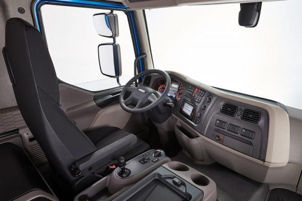 Пластик увеличивает долю в конструкции грузовых и пассажирских автомобилей